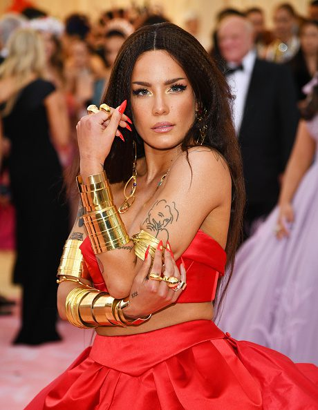 NEW YORK, NEW YORK - MAY 06: Halsey attends The 2019 Met Gala Celebrating Camp: Notes on Fashion at Metropolitan Museum of Art on May 06, 2019 in New York City. (Photo by Dimitrios Kambouris/Getty Images for The Met Museum/Vogue)